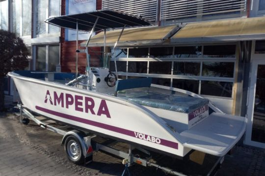 Ampera, le bateau électrique prototype de Volabo