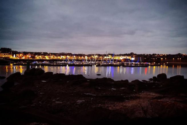 Le port de Concarneau éclairé pour les fêtes