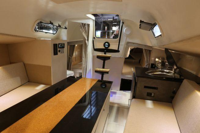 Intérieur de voilier refité par Dream Racer Boats
