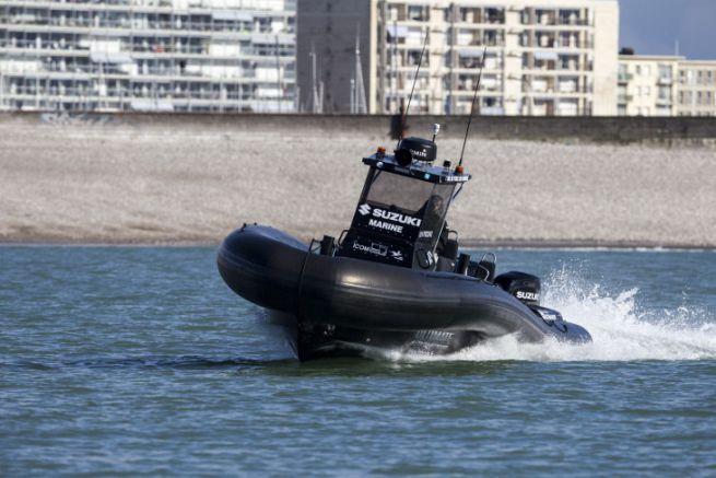 Suzuki était partenaire du projet de semi-rigide LH1000 S de la Ligue de Voile de Normandie