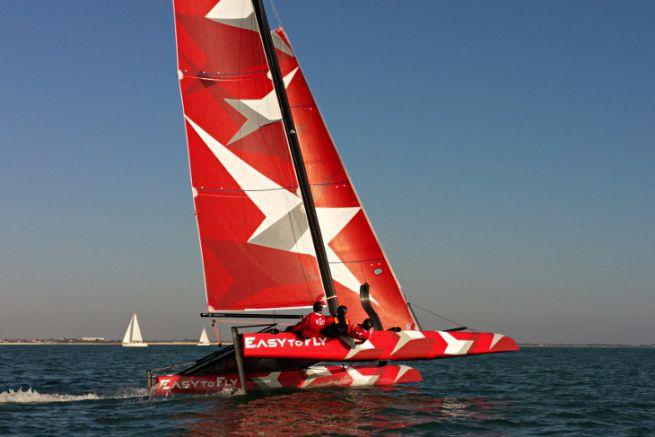 Le catamaran à foils Easy To Fly