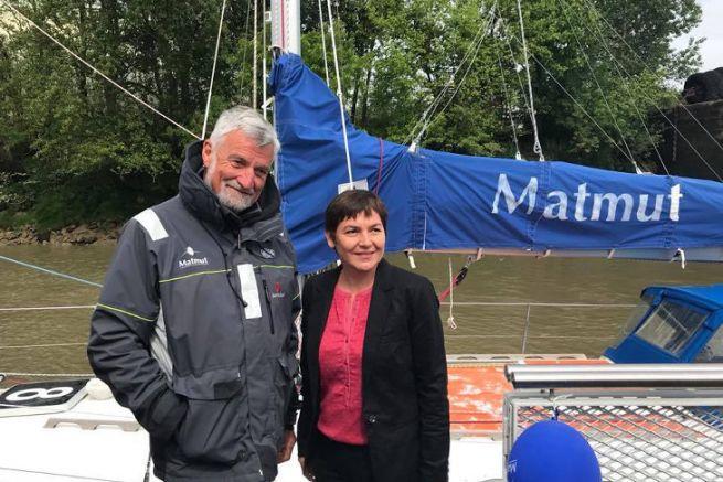 Annick Girardin, la nouvelle ministre de la mer, en compagnie de Jean-Luc Van den Heede