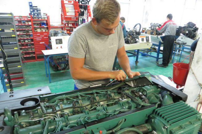 Formation mécanique marine à l'Institut Nautique de Bretagne (INB)