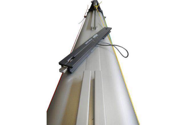Mat aluminium avec profil de rail intégré de chez AG+ Spars