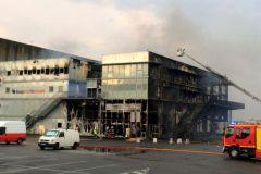 Le bâtiment des Défis à Lorient, ravagé par les flammes