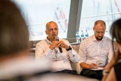 Francis Lapp durant la conférence du Cannes Yachting Festival