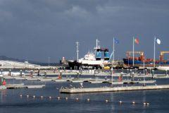 Un port de plaisance presque vide