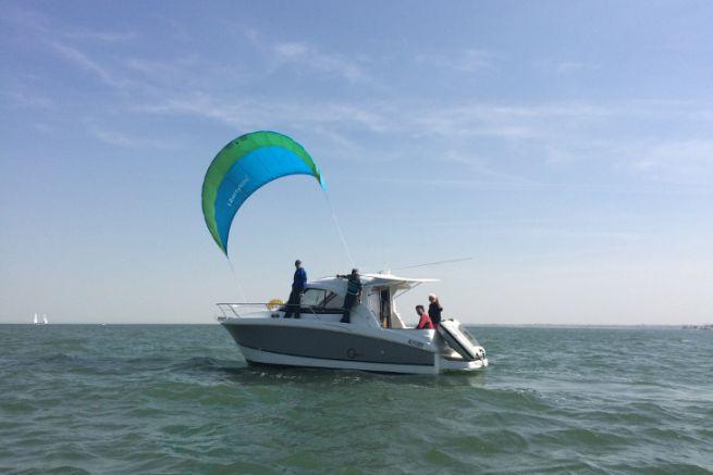 Libertykite peut permettre de réduire la consommation d'un bateau de plaisance à moteur.