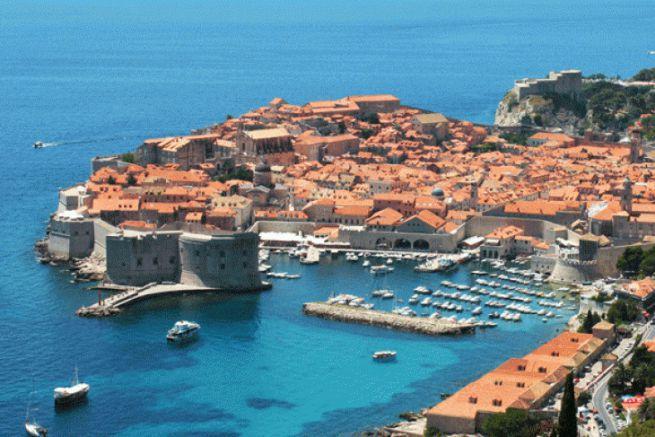 Le port de Dubrovnik en Croatie, destination phare de la croisière en 2017