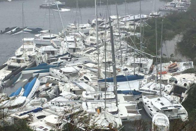 Bateaux de croisières détruits à Paraquita Bay, aux Iles Vierges Britanniques après le passage du Cyclone Irma