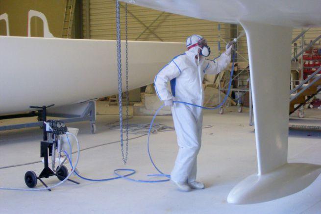 Application de peinture marine avec la pompe haute pression Binks MXL 432
