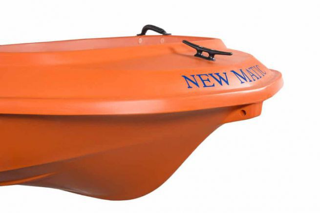 Le bateau de sécurité New Matic de Rigiflex