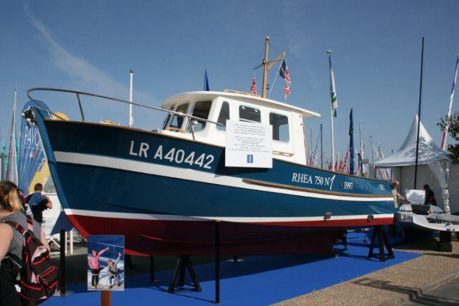 Le Rhéa 750 n°1 exposé au Grand Pavois en hommage à Bertrand Danglade