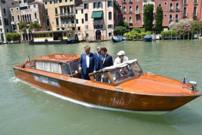 Bateau taxi hybride à Venise